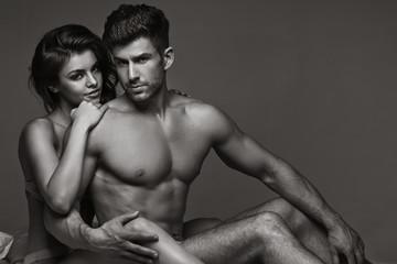 Black&white picture of sensual couple