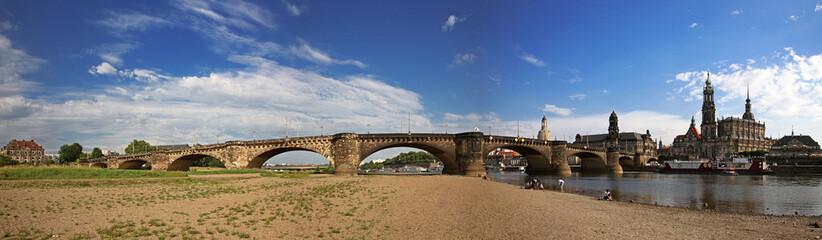 Dresden - Panorama der Augustusbrücke