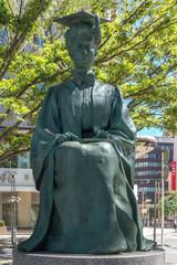 ヘレンケラー像