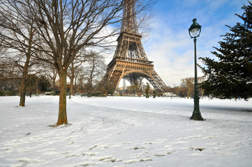 Snowstorm in Paris