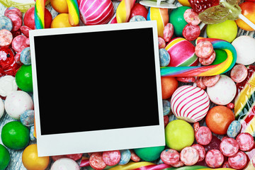 Frame for candies and chewing gum.
