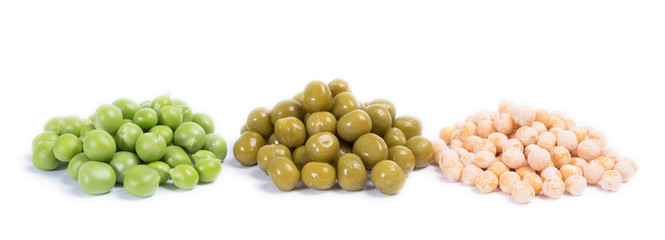 three types of green peas - raw, canned and dry