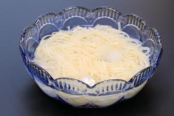 vermicellifine noodles (black background) in Japan