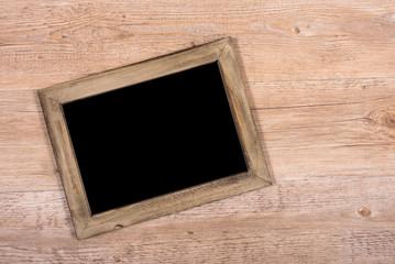 Schwarze Tafel aus Holz