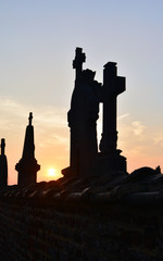 Coucher de soleil sur le cimetière