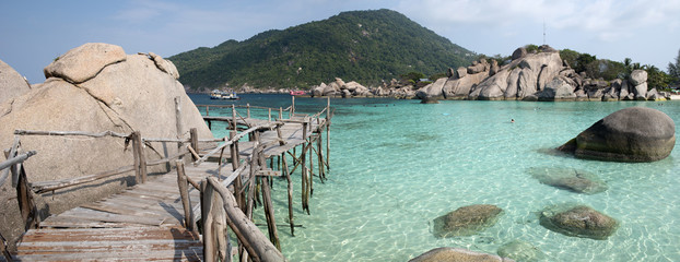 Granite rocks at Koh Nang Yuan