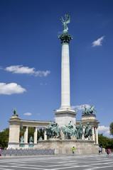 Monumento del Millennio, obelisco centrale, Budapest.