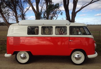 1963 Kombi in the country