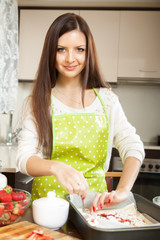 woman cooking sweet cake