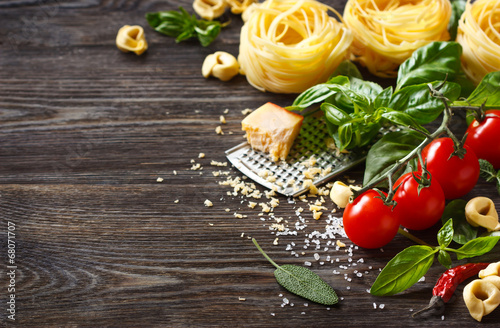 Foto op Plexiglas Groenten Italian food ingredients.