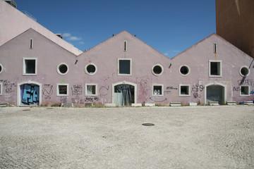 capannoni industriali abbandonati