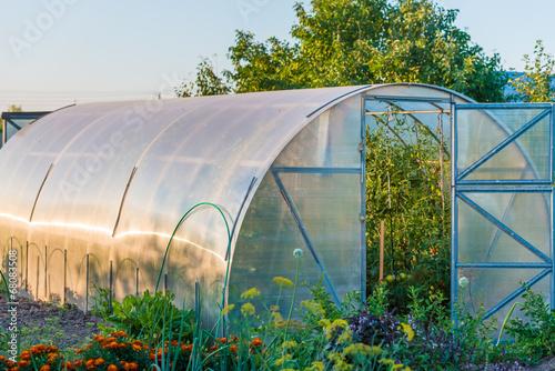 Leinwanddruck Bild arched greenhouse