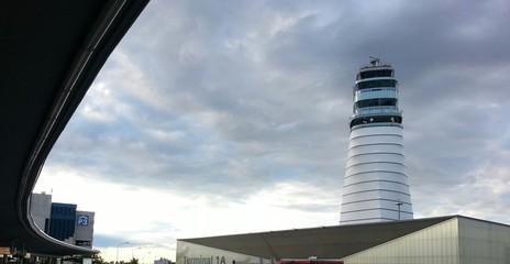 Flughafentower Wien