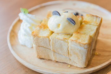 Honey toast