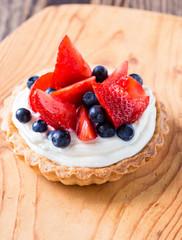 Fruit dessert tart