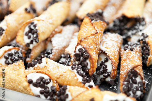 Fresh Cannolis