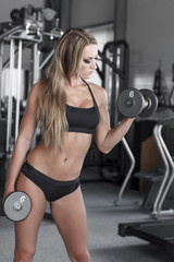 Blonde bodybuilder workout