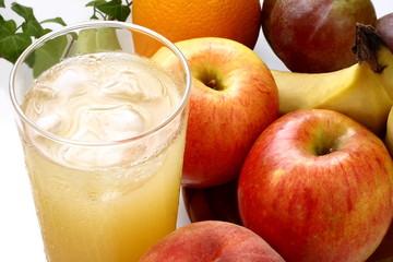 ジュースと果物