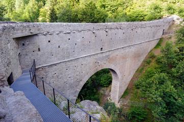 Ponte acquedotto romano Pont d'Aël - A.D. 3 a.c. - Valle d'Aosta