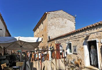 artigianato sardo al mercato di San Pantaleo, Sardegna