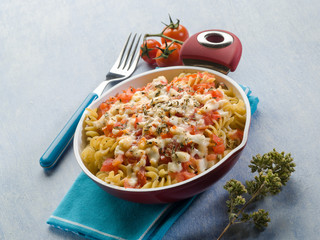 oven pasta with tomato sauce mozzarella and oregano