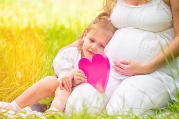 schwangere mit tochter