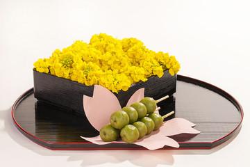 菜の花と抹茶の団子