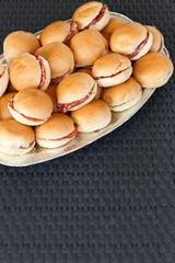 mini snack in platter on vimini table