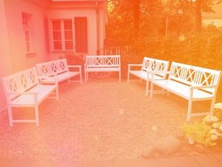 Bänke im Garten