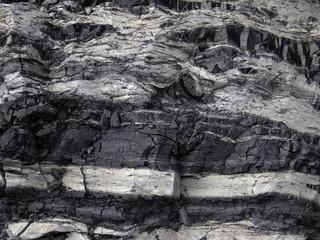 Уголь с прослойками светлой породы