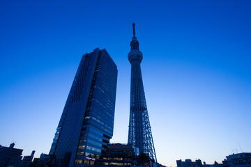 夕暮れの東京スカイツリータウン