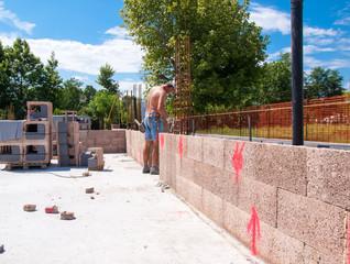 muro in blocchi legno cemento