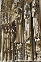 Säulen am Portal der Kathedrale von Chartres