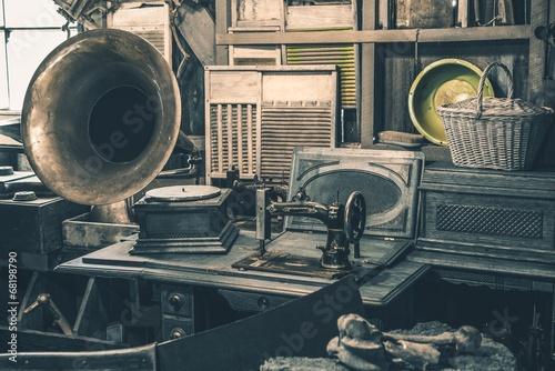 fototapeta na ścianę Sklep z antykami Zapasy