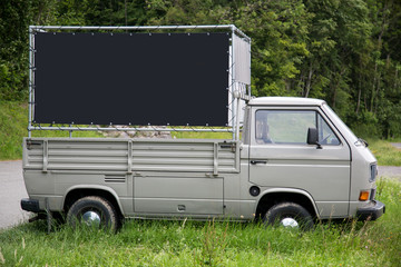 Mobile Werbefläche auf Lieferwagen