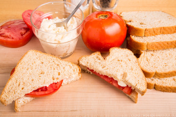 Tomato Sandwich with Preparation