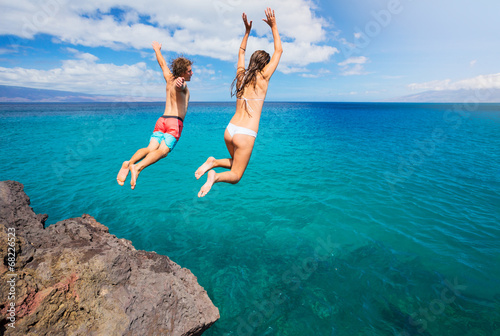 Cliff jumping - 68226523