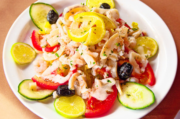 Salad with olives and lemon