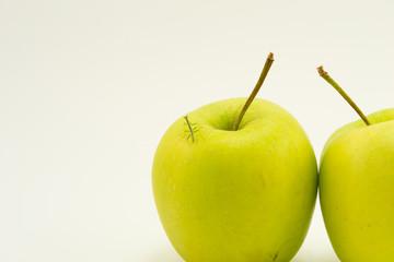 Богомол и яблоко