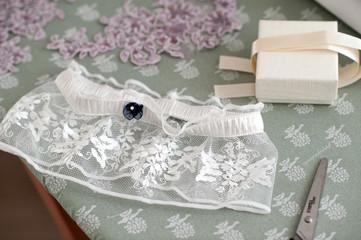 Confezione giarrettiera da matrimonio