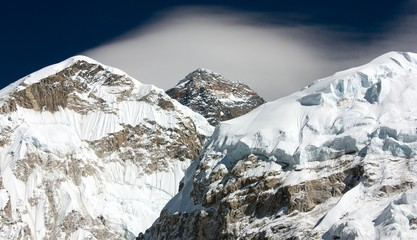 everest from way to everest base camp with cloud