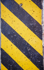 Black and yellow lines