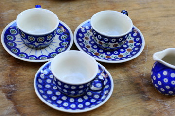 Blaue Tassen