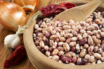 haricot beans in a wooden bowl