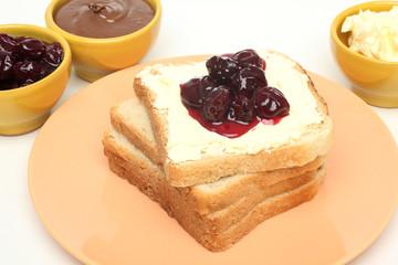 prima colazione con confettura di amarene