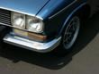 Blaue französische Fließheck Limousine der Siebziger Jahre