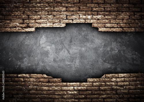 broken brick wall - 68280563