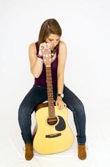 Jeune fille musicienne