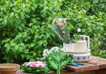 Floristik, Steckherz mit Blüten gestalten