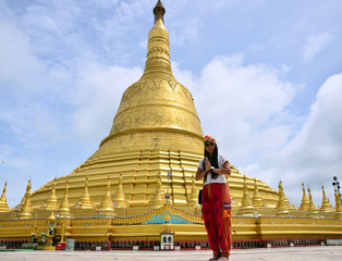 Portrait thai women praying at Shwemawdaw Paya Pagoda